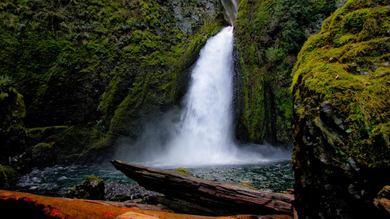 wahclella-falls1